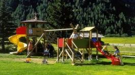 bambini-al-parco-giochi